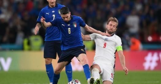 Общество: Италия стала чемпионом Европы-2020, обыграв Англию в серии пенальти