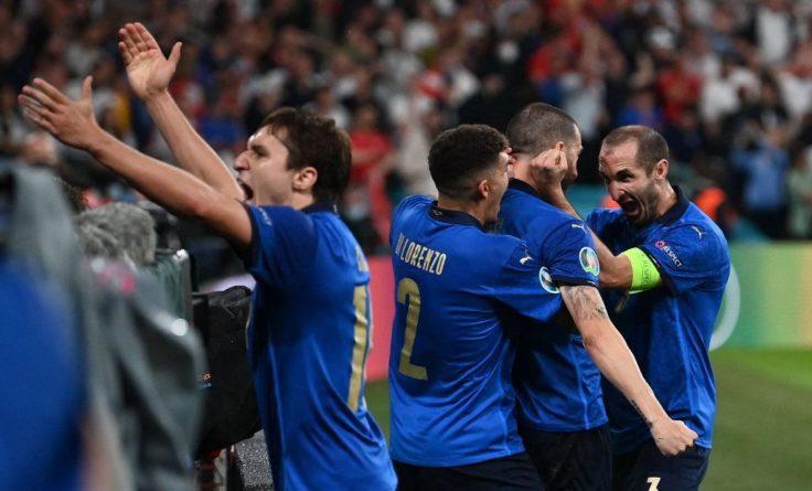 Общество: Италия в фантастической серии пенальти победила Англию и выиграла Евро-2020: видеообзор