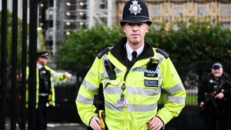 Общество: В Великобритании 19 полицейских ранены в результате беспорядков после матча с Италией