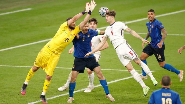 Общество: Канчельскис не считает тренера Англии Саутгейта «физруком»