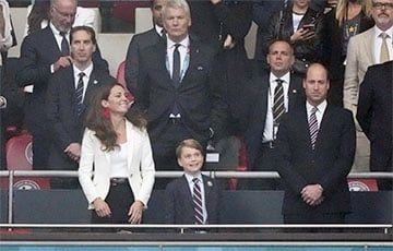 Общество: Реакция 7-летнего принца Джорджа на матч Англии с Италией стала хитом Сети