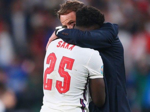 Общество: УЕФА отреагировал на расистские высказывания в адрес футболистов сборной Англии после финала Евро