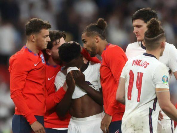 Общество: В Англии началась травля темнокожих игроков сборной за неудачные пенальти в финале Евро 2020. Полиция обещает расследование