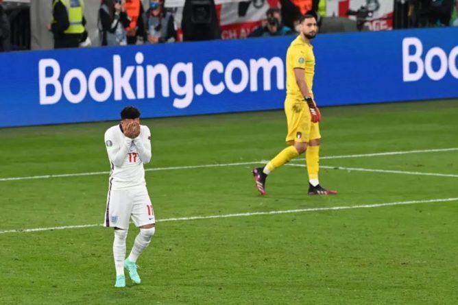 Общество: Twitter удалил более тысячи расистских оскорблений в адрес игроков сборной Англии