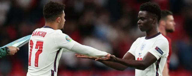 Общество: В Twitter удалили больше тысячи расистских комментариев в адрес игроков сборной Англии