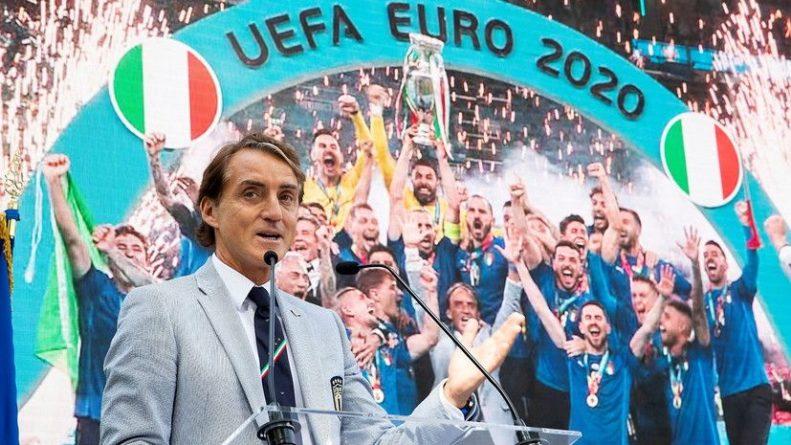 Общество: В Шотландии предложили наградить Манчини гражданством за победу над Англией в финале Евро-2020