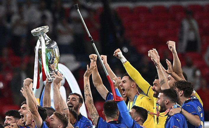 Общество: «Мы превратили Трех львов в котят»: как мир отреагировал на триумф Италии над Англией в финале Евро 2020 (The Telegraph, Великобритания)