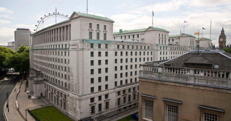 Общество: Великобритания намерена сотрудничать с талибами при одном условии