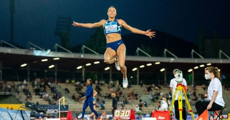 Общество: Украинская легкоатлетка выиграла этап Бриллиантовой лиги в Великобритании