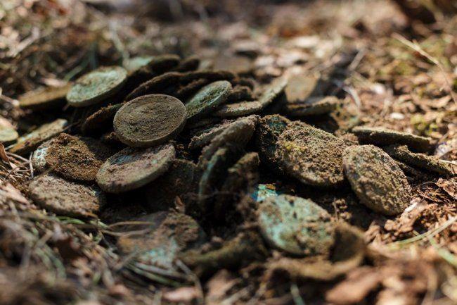 Общество: Уникальный клад монет железного века найден в Лондоне