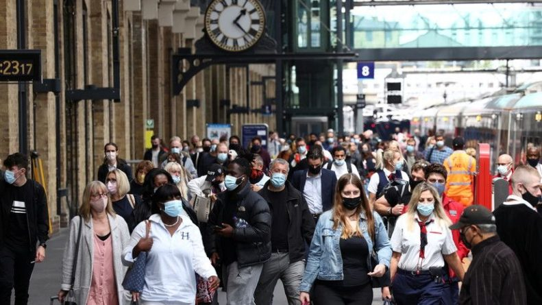 Общество: За сутки в Британии зафиксировали более 42 тысяч случаев коронавируса