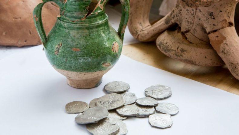 Общество: Более 300 уникальных древних монет обнаружили археологи в ходе раскопок в Лондоне