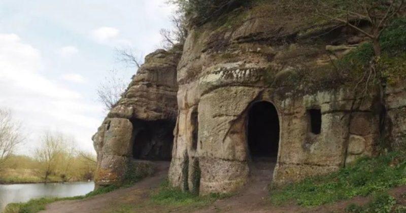Общество: В Великобритании нашли пещеру изгнанного короля, которой 1200 лет