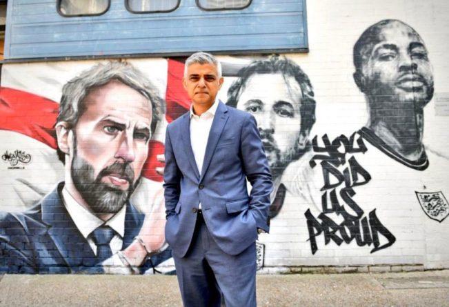 Общество: В Лондоне при поддержке мэра Хана нарисовали мурал с Саутгейтом, Стерлингом и Кейном