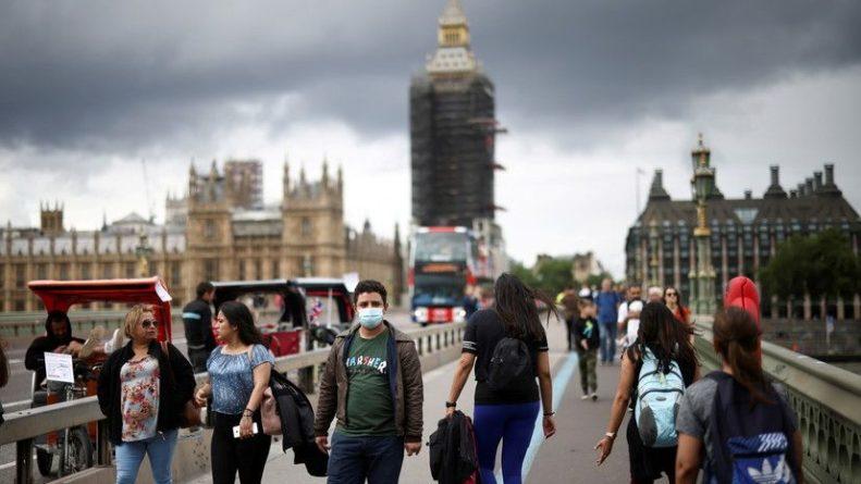 Общество: Туристы из Франции обязаны будут соблюдать карантин в Англии после вакцинации