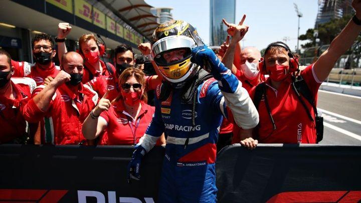 """Общество: Шварцман выиграл первую гонку """"Формулы-2"""" в Великобритании"""