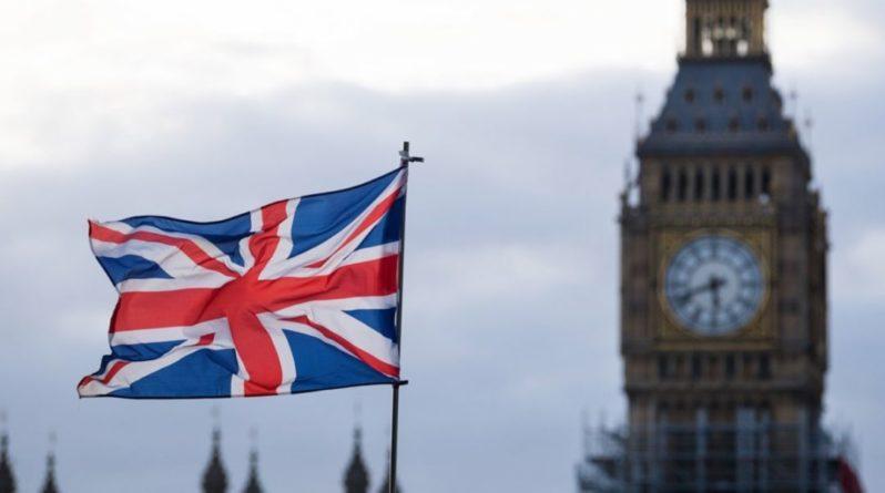 Общество: Глава МОЗ Великобритании заразился COVID-19 после вакцинации