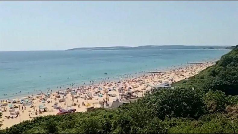 Общество: Великобритания: пляжи заполнены