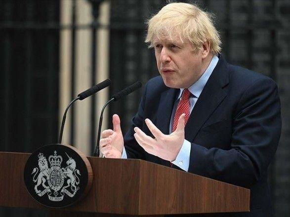 Общество: Британский премьер Джонсон самоизолируется после контакта с больным COVID-19 на фоне критики