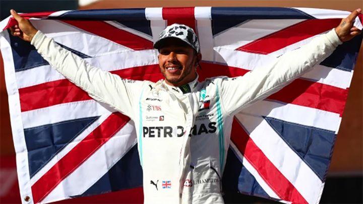 Общество: Хэмилтон выиграл Гран-при Великобритании, несмотря на штраф в 10 секунд