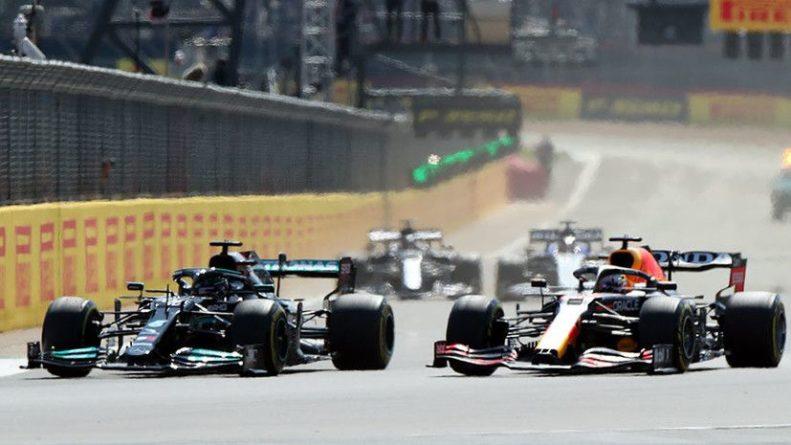 Общество: Новый формат: Хэмилтон выиграл Гран-при Великобритании «Формулы-1» после первой в истории спринтерской гонки