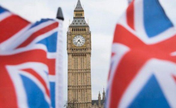 Общество: С сегодняшнего дня Великобритания отменяет большинство карантинных ограничений