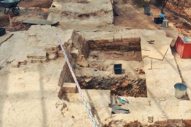 Общество: В Великобритании археологи обнаружили древнейшие исторические артефакты и мира