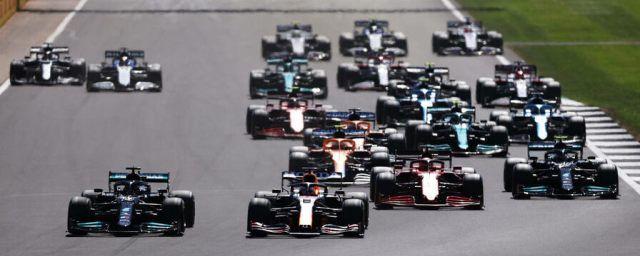 Общество: Гран-при Великобритании чемпионата «Формула-1» выиграл Хэмилтон