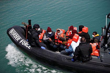 Общество: В Великобритании зафиксировали рекордный наплыв нелегалов за сутки