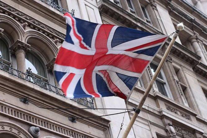 Общество: Выполняет прихоти США: Британцев возмутило решение Лондона провести тайную спецоперацию против России и Китая