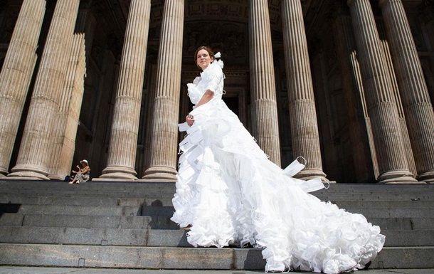 Общество: В Великобритании создали свадебное платье из защитных масок