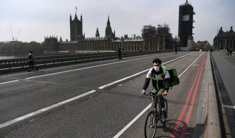 Общество: В Великобритании смертность от ковида побила мартовский максимум