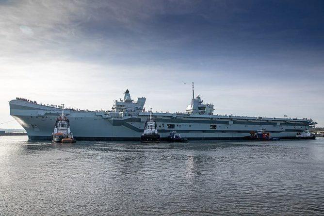Общество: Великобритания разместит военные корабли в Азиатско-Тихоокеанском регионе и мира
