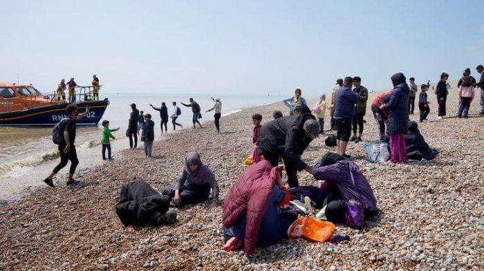 Общество: В Великобританию за сутки перебралось рекордное число нелегалов