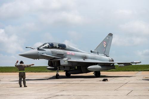 Общество: Avia.pro: в случае агрессии Лондона Россия сможет уничтожить половину баз ВВС Британии за несколько минут