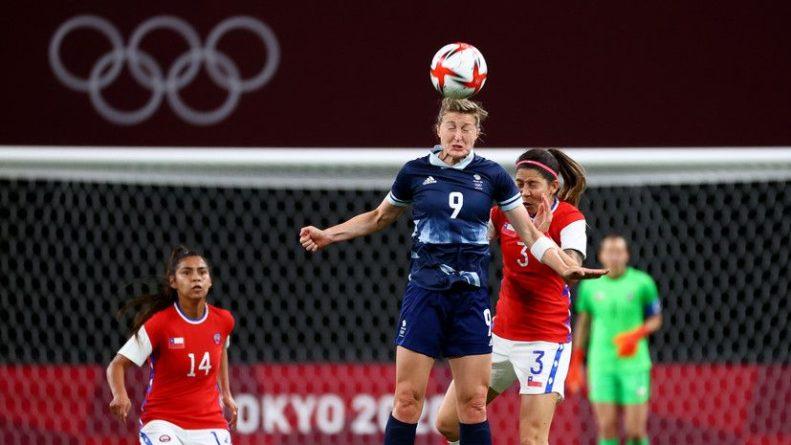 Общество: Футболистки сборных Великобритании и Чили впервые на ОИ преклонили колено перед матчем