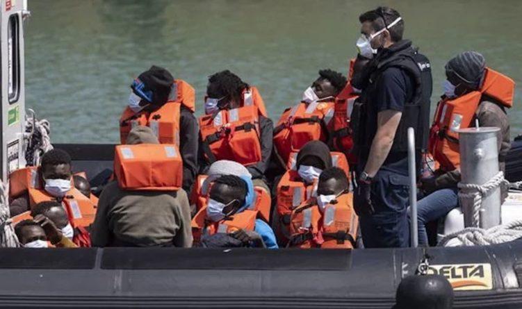 Общество: Великобритания и Франция договорились усилить борьбу с незаконной иммиграцией