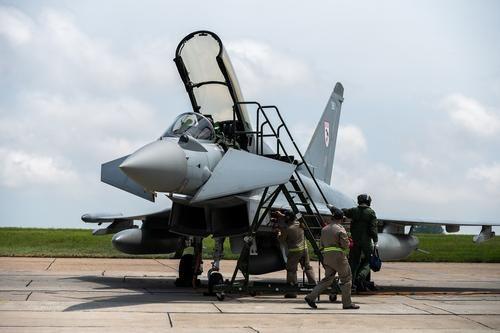 Общество: Аналитик Леонков: если ВВС Британии «захотят сунуться» в Калининград, армия России устроит им «что-то пострашнее Перл-Харбора»