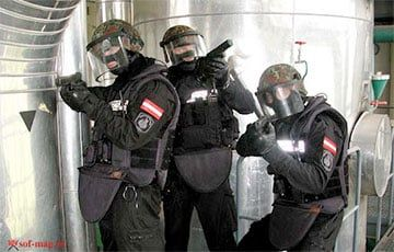 Общество: Австрия отправила на границу с Беларусью спецназ Cobra