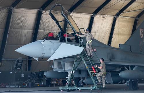 Общество: The Sun: ВВС Великобритании проведут крупнейшие за 30 лет учения, «чтобы лучше подготовиться к внезапному нападению России»