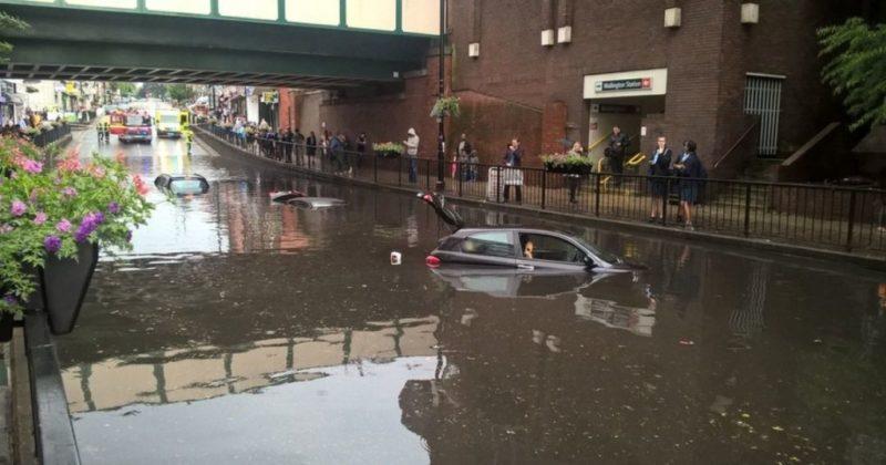"""Общество: """"Это канал, а не дорога"""": Лондон накрыл сильнейший ливень (видео, фото)"""