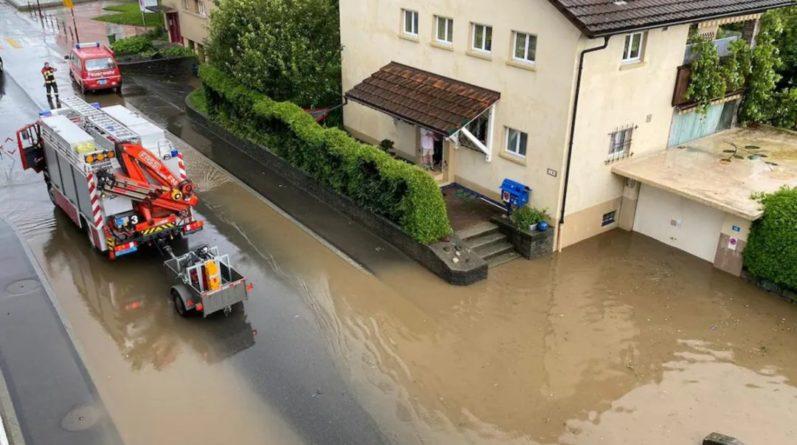 Общество: Ливни накрыли Швейцарию и Британию, отмечены масштабные затопления