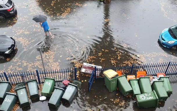 Общество: Потоп в Лондоне: вместо дорог реки и затопленное метро