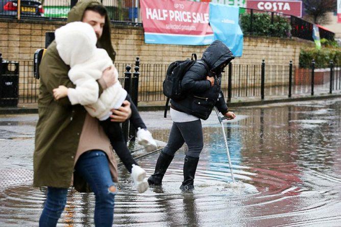 Общество: Британия и Швейцария ушли под воду из-за проливных дождей