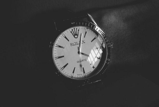 Общество: Британец в аэропорту Домодедово пытался провезти без декларации часы на миллионы рублей