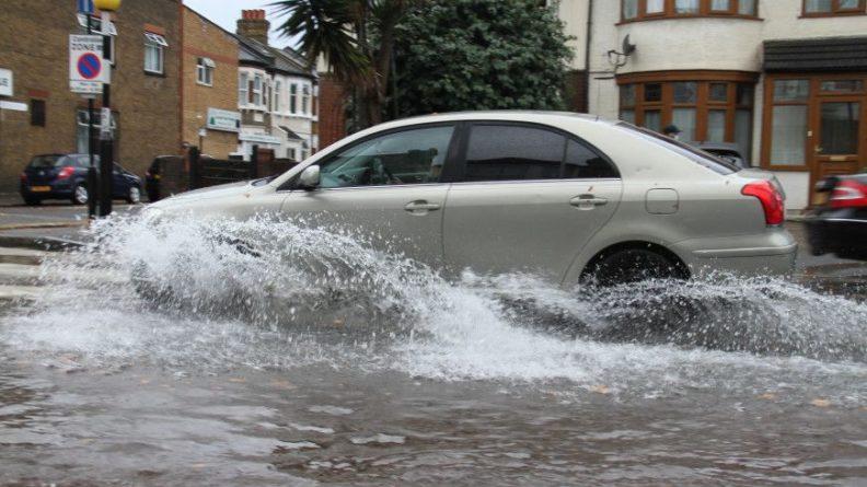 Общество: Обзор зарубежных СМИ: политический кризис в Тунисе и наводнение в Лондоне