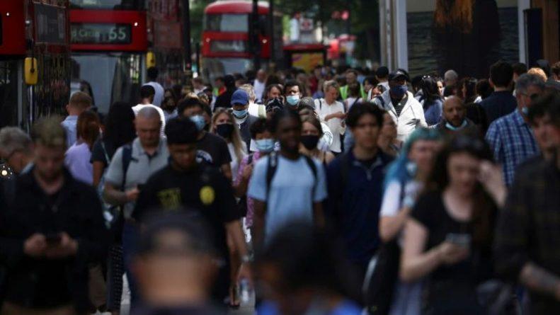 Общество: Британия может стать рассадником новых штаммов коронавируса