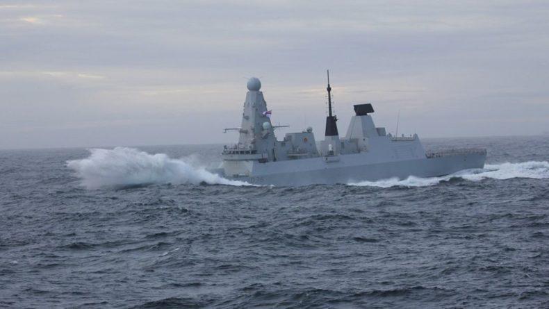 Общество: Defender остался единственным действующим эсминцем в ВМС Британии