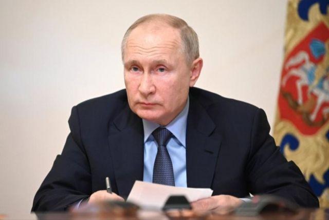Общество: Российские миллиардеры подали в суд на журналиста из Великобритании из-за книги о Путине