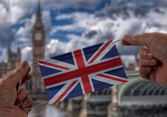 Общество: Великобритания отменяет карантин для полностью вакцинированных посетителей с ЕС и США